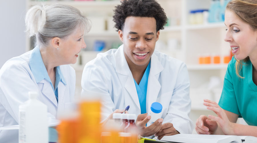 Why Giving Pharmacy Technicians More Duties Is a Good Thing by Elements magazine | pbahealth.com