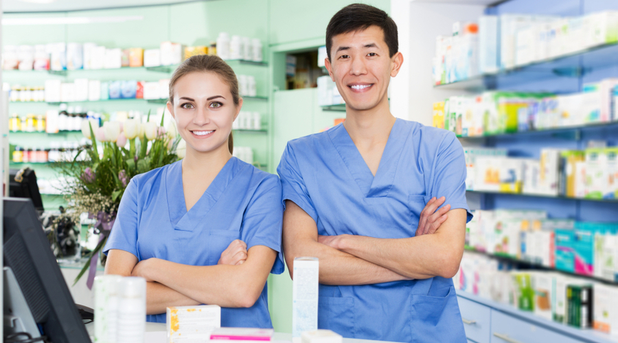 This Online Program Trains Pharmacy Technicians for Certification